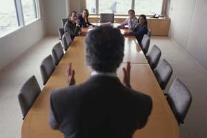 Как найти реальных лиц, принимающих решения в компании