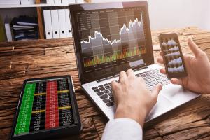 Онлайн-трейдинг, бинарные опционы и криптовалюта